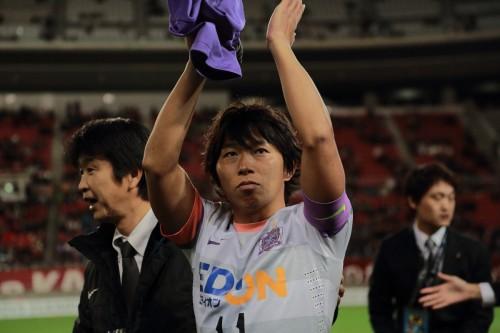 逆転でのリーグ連覇に涙の広島主将FW佐藤寿人「信じられない」