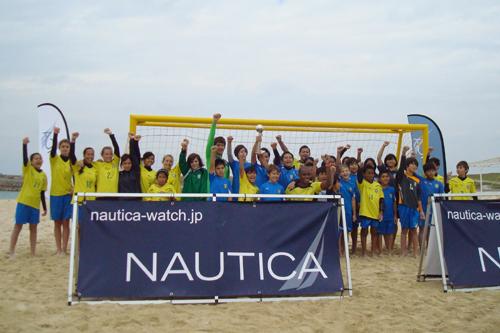 ビーチ日本代表主将の茂怜羅オズ、沖縄でサッカー教室を開催