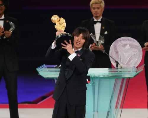 中村俊輔が史上初となる2度目のMVP獲得…最年長35歳での受賞