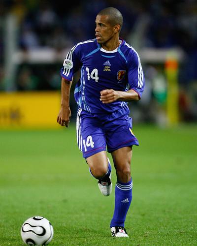 元日本代表MF三都主アレサンドロが岐阜に移籍「勝負の1年」