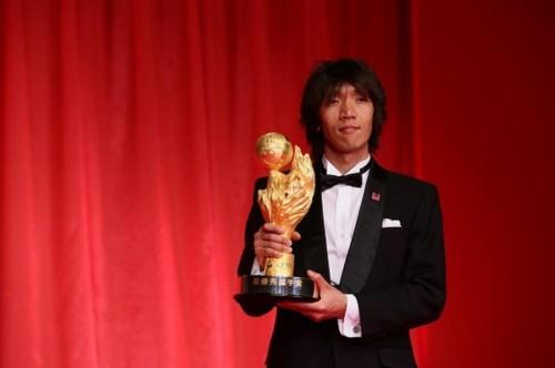 横浜FM、昨季MVPの中村俊輔ら11選手との契約更新を発表