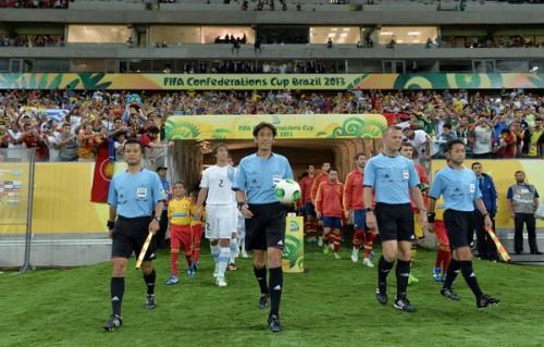 西村主審と相樂、名木副審がブラジルW杯のレフェリーに選出