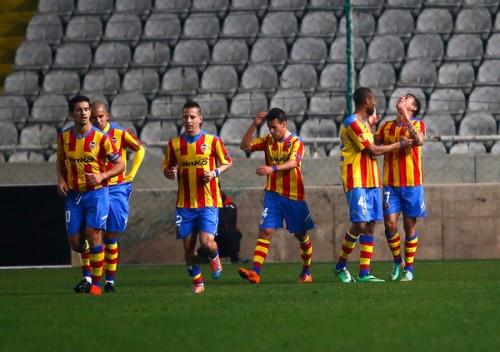 交代策的中のバレンシア、終盤の2得点で先勝…EL決勝T1回戦