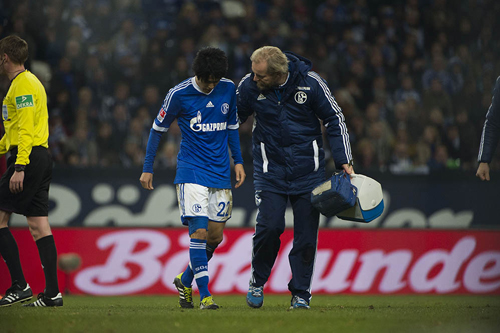 負傷で退いたシャルケの内田篤人「けがは友達みたいなもの」