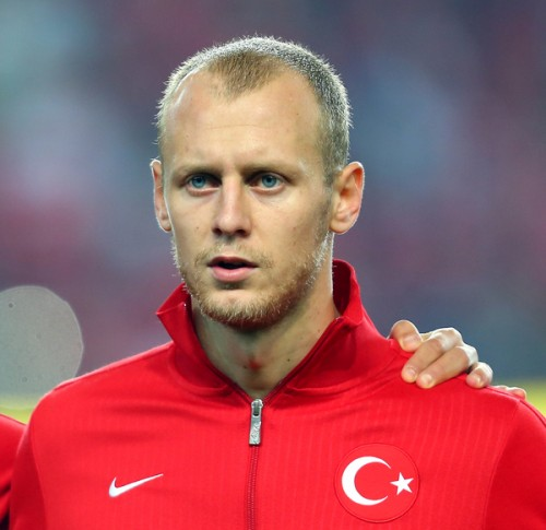 マンUがヴィディッチの代役獲得を検討…トルコ代表DFに注目か