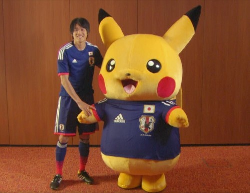 日本代表DF内田篤人がピカチュウと共演…『ポケモンゲット☆TV』に出演