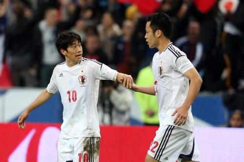 吉田、シーズン後半へ香川との挽回誓う「互いに頑張って刺激できれば」