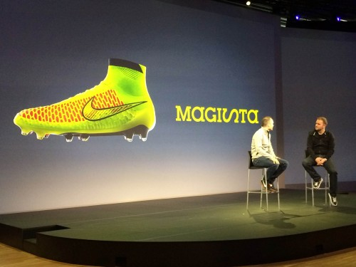 """革新的な""""ブーツ型""""のスパイク「MAGISTA(マジスタ)」が新登場……イニエスタ「靴下のような感覚。足がボールにより近付く」"""