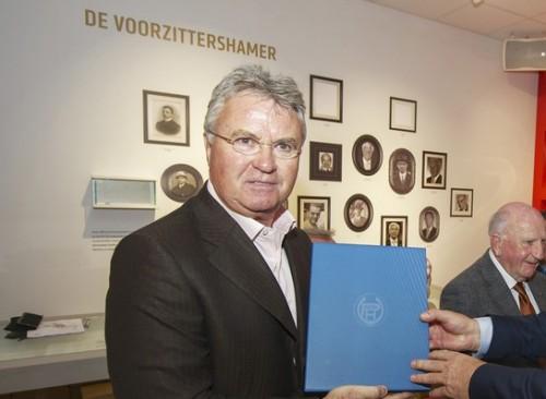 ヒディンクがW杯後のオランダ代表監督に就任…V・ニステルローイが入閣