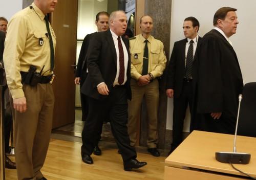 脱税有罪のバイエルン会長が辞任…後任はアディダス社CEOに