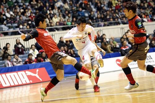 11得点で名古屋が浦安に大勝! 明日16日の決勝戦で北海道と激突/PUMA CUP 2014