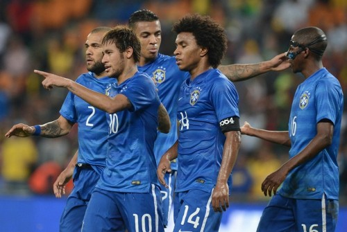 対南ア戦、ブラジル代表が着用した後半の青いユニフォームと腕章の数字の意味とは