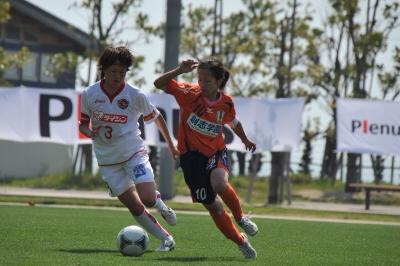愛媛から振る『復興の旗』サッカー選手ができること