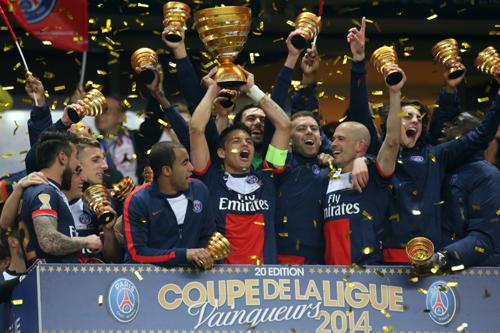 パリSGが4度目のリーグカップ制覇…カバーニ2発でリヨン下す