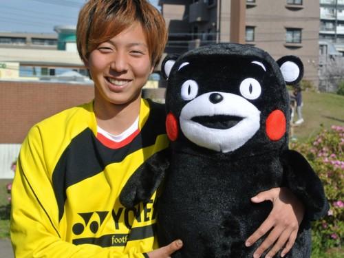 なでしこリーグを目指す熊本の女子チームが「くまモン」で活動資金集め