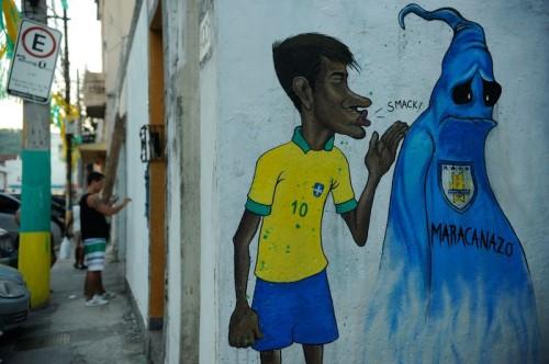 ネイマールのグラフィティアートも登場。彩られるリオの街…ただし装飾の規模は縮小傾向。抗議行動も影響