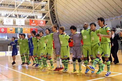 Fリーグ オーシャンカップ2014 大会2日目……大歓声の後押しを受けた湘南が逆転勝利
