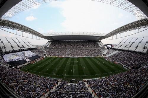 ブラジルW杯開幕の地、アレーナ・コリンチャンスで初の公式戦開催