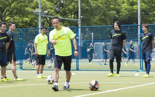ミズノサッカークリニックが開催 森島氏「シュートを決めるのが岡崎、外すのが森島」
