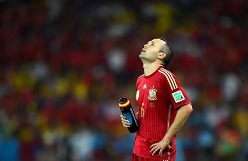前大会王者スペイン、GL敗退でMFイニエスタ「とても残酷な結末」