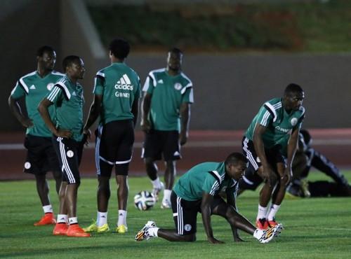 ボーナス問題で練習拒否のナイジェリア代表、大統領が支払い保証