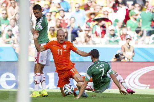 オランダ代表ロッベン、前半のダイブを認めるも「最後のPK判定は正しい」