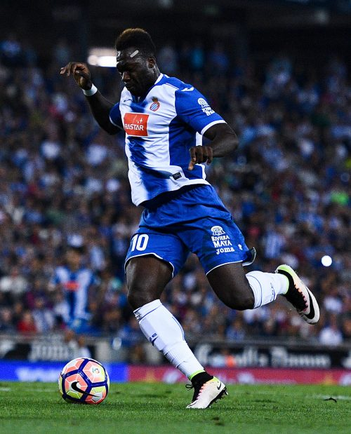 BARCELONA, SPAIN - SEPTEMBER 18:  Felipe Caicedo of RCD Espanyol runs with the ball during the La Liga match between RCD Espanyol and Real Madrid CF at the RCDE stadium on September 18, 2016 in Barcelona, Spain.  (Photo by David Ramos/Getty Images)