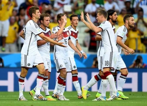 ドイツ代表が16強進出に向け万全の対策、日焼け止めもきちんと準備