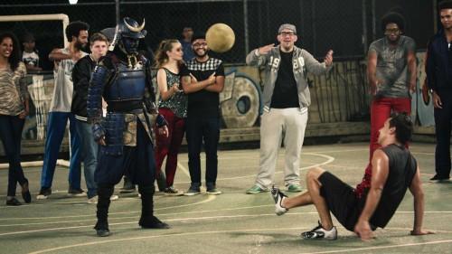 華麗にボールを操るサムライがフリースタイルフットボールでブラジルに挑戦