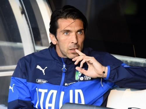 イタリア代表ブッフォン、負傷でW杯初戦欠場…意味深メッセージも