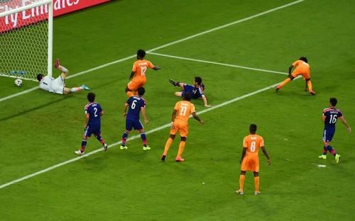 日本、W杯黒星スタート…本田の2大会連続ゴールも後半逆転許す