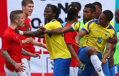 W杯出場国同士のエクアドルとイングランドの対戦はドロー決着