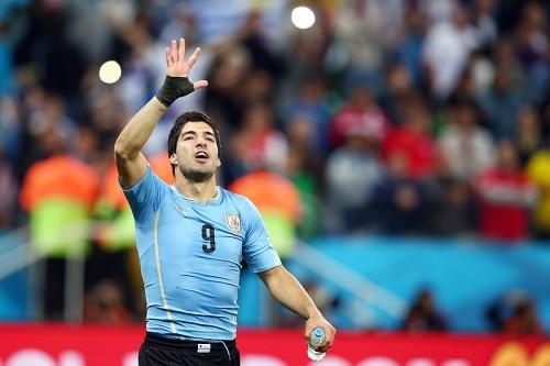 バルサがウルグアイ代表FWスアレスの獲得に本腰か…スペイン紙報道