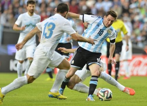 途中出場のメッシがゴール…アルゼンチンが勝利を飾りW杯へ