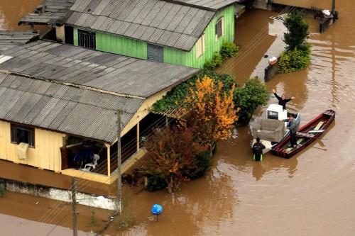 ブラジル南部で豪雨、クリチバで非常事態宣言も