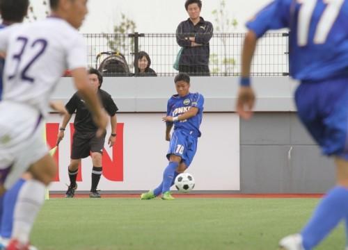 金光大阪の10番・新家碧が冷静沈着なFKで口火を切る、大量6ゴール