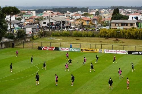 スペイン、W杯での芝の適切な長さと反則への警告強化をFIFAに求める
