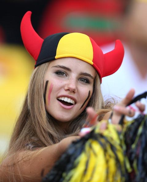ネットで話題のベルギー美女サポーターがモデルデビュー決定