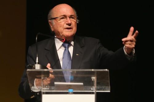 FIFAブラッター会長がスアレスの謝罪を称賛「フェアプレーだ」