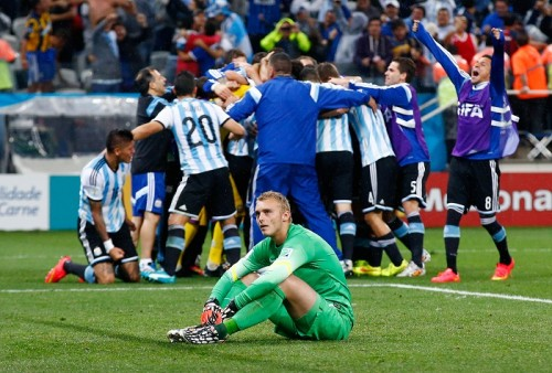 準決勝ではPK戦出場も、ストップできず敗退…オランダ代表GKは落胆