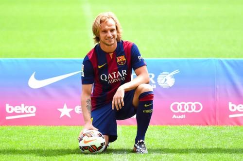 バルセロナ加入が決まったラキティッチ、背番号は「4」に決定