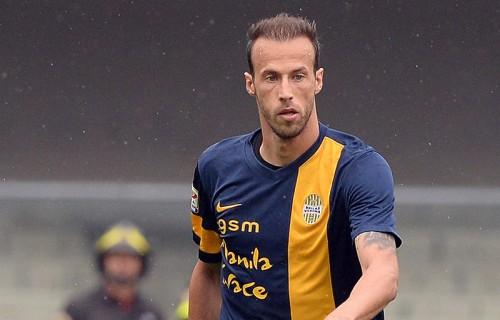 FC東京へ移籍が報じられたギリシャ代表DF、ヴェローナと契約延長