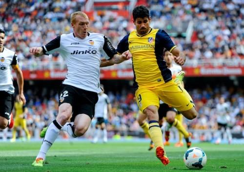 バルセロナ、バレンシアからマテューを獲得もファンの85%は不支持