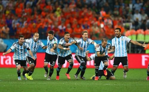 アルゼンチンがPK戦の激闘制して24年ぶりの決勝進出…オランダ敗退