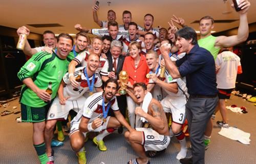 世界王者に輝いたドイツ代表、所属クラブらがツイッターで祝福