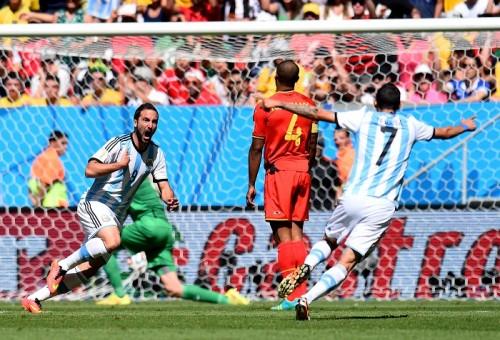 アルゼンチンが6大会ぶりのベスト4…イグアインの今大会初得点が決勝点