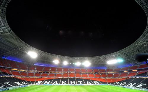 シャフタールのスタジアムが爆破…ウクライナ軍と親ロシア派の衝突で