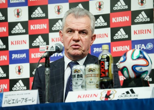 日本代表のアギーレ新監督「将来性のある選手を呼びたい