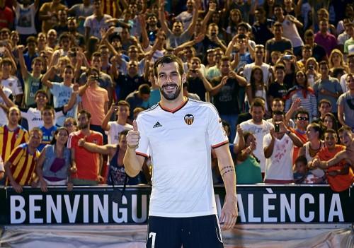 マンC、FFP違反による制裁が理由でFWネグレドをバレンシアに放出