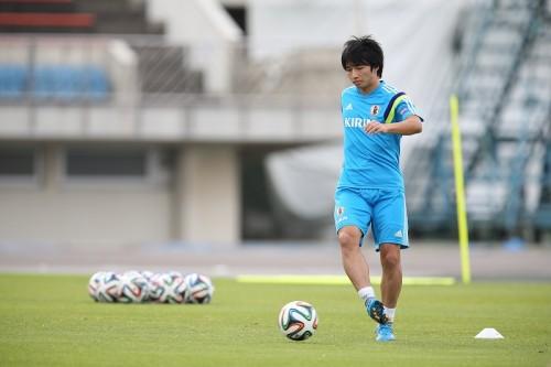 アギーレ新体制で7番背負う鹿島MF柴崎岳「僕自身のプレーを出したい」